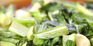 Angebraten und lecker gewürzt ist Pak Choi eine großartige Gemüsebeilage zu Fisch- und Fleischgerichten. Bildquelle: shutterstock.com