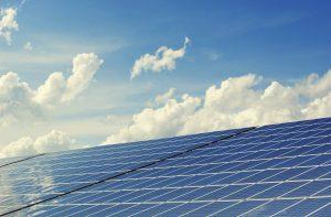 Nachhaltig und umweltschonend: Vor allem Mieter von Wohnungen hatten bisher kaum Möglichkeiten unabhängig Strom zu erzeugen. Bildquelle: Pixabay.de
