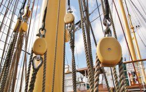 Frachttransport mit reiner Segelkraft. Erfolgreich umgestetzt mit dem Frachtsegler Tres Hombres. Bildquelle: Pixabay.de