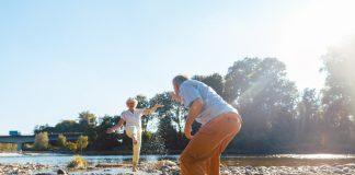 Das Älterwerden einfach akzeptieren und auch dieser Lebensphase ihren Raum geben, dafür plädiert unsere Gastautorin Sabine van Waasen. Bildquelle: Shutterstock.com