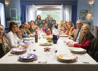 Die ganze Familie unter einem Dach – dass kann nur im Drama enden. Bildquelle: Wild Bunch