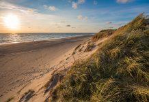 Wo das Meer und der Himmel sich küssen - in Dänemark. Bildquelle: shutterstock.com