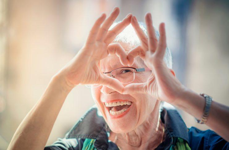 Vor allem Frauen der Generation 59plus haben in jungen Jahren nicht unebdingt gerlernt allein zu reisen. Bildquelle: shutterstock.com