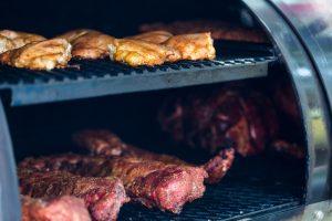 Grillen mit indirekter Hitze ist schon eher etwas für Fortgeschrittene. Bildquelle: shutterstock.com