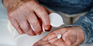 """Viele unheilbar kranke Menschen wünschen sich die Umsetzung der """"Aktiven Sterbehilfe"""" in Deutschland. Bildquelle: ©Rawpixel / Unsplash.com"""
