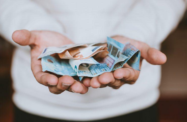 Das Thema Steuern hört auch im Rentenalter nicht auf. Bildquelle: © Christian Dubovan / Unsplash.com