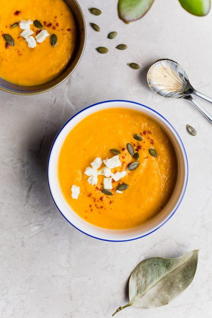 Vor allem Suppen lassen sich ganz wunderbar auf Vorrat kochen. Bildquelle: © Cayla1 / Unsplash.com