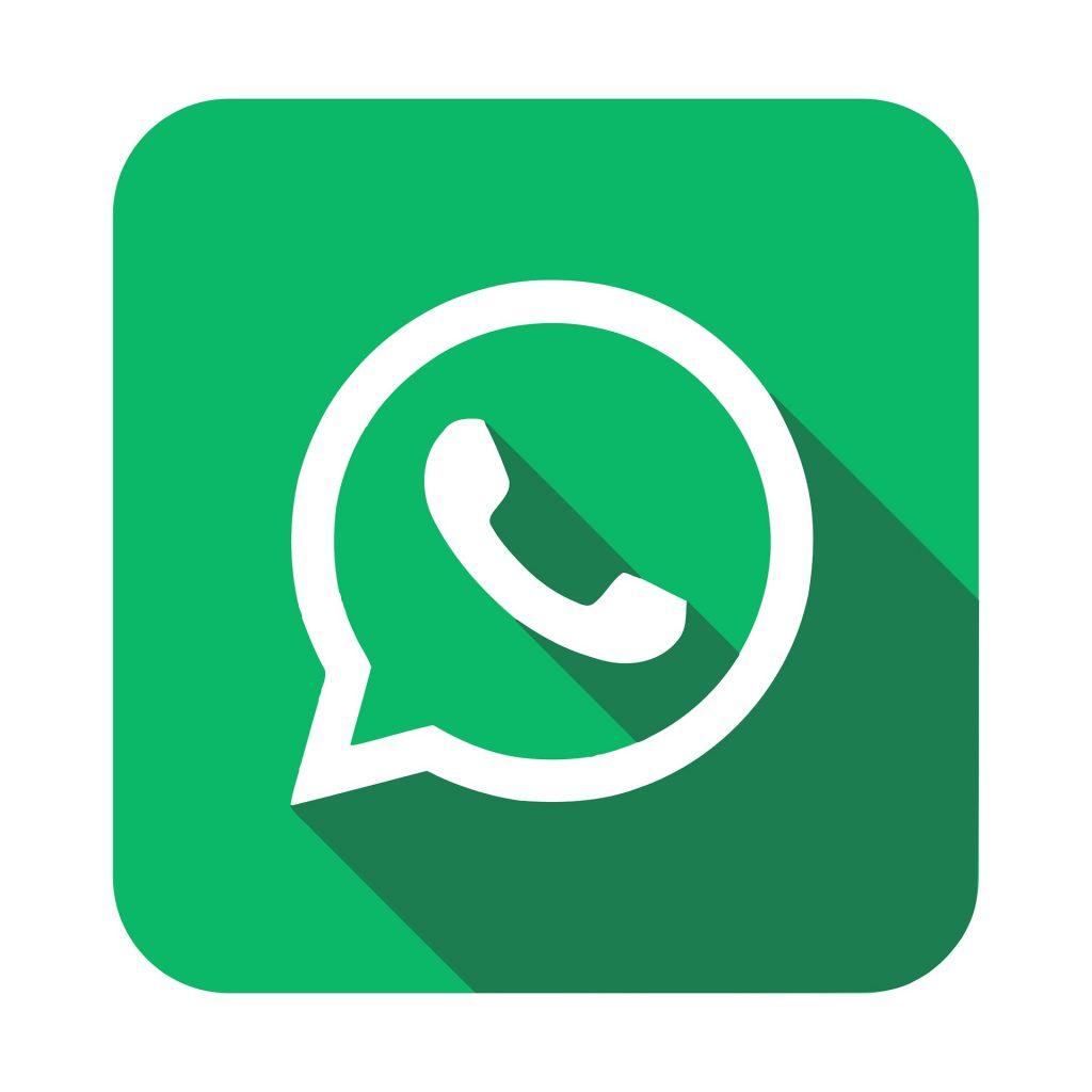 WhatsApp ist mit jedem Smartphone verfügbar und bietet Ihnen die Möglichkeit auf einfache Art und Weise Texte und Bilder hin und her zu senden. Bildquelle: Pixabay.de
