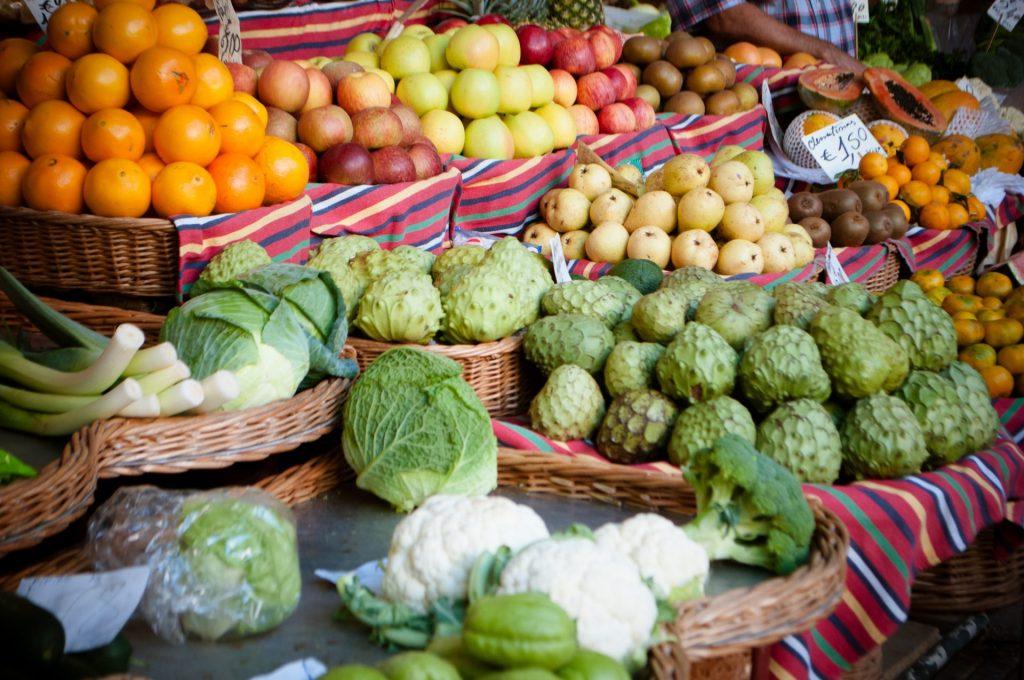 Ihren Ursprung hat die Cherimoya Frucht in den südamerikanischen Anden. Bildquelle: © Martha Dominguez de Gouveia / Unsplash.com