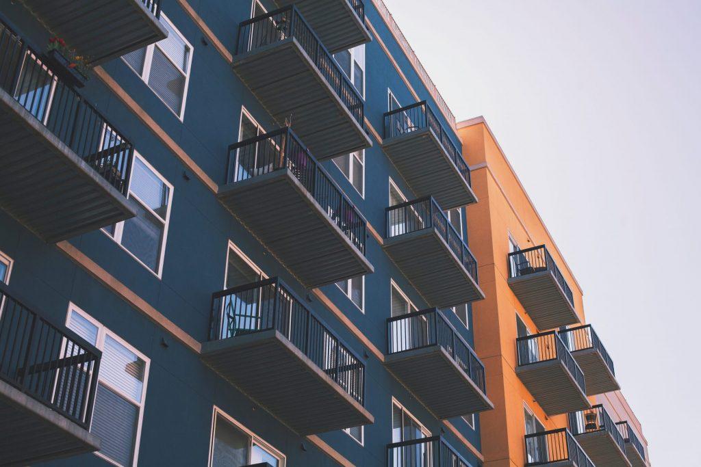 Die Mieten steigen und steigen, dennoch werfen Immobilienfonds keine rendite ab. Bildquelle: © Brandon Griggs / Unsplash.com