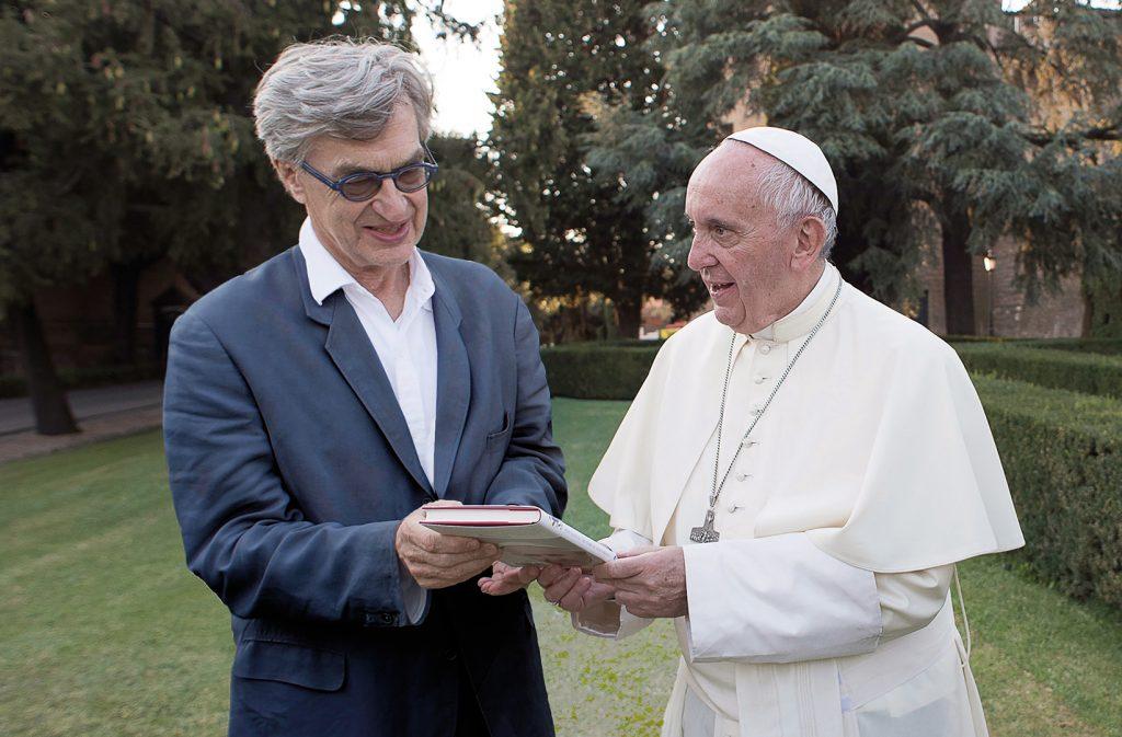 Wim Wenders und Papst Franziskus. Bildquelle: Universal Home Entertainment