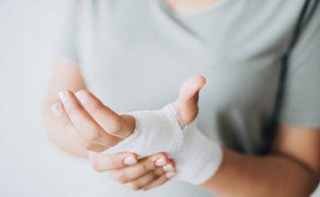 Eine langwierige Krankheit kann Sie unter Umständen richtig Geld kosten. Bildquelle: © Rawpixel / Unsplash.com