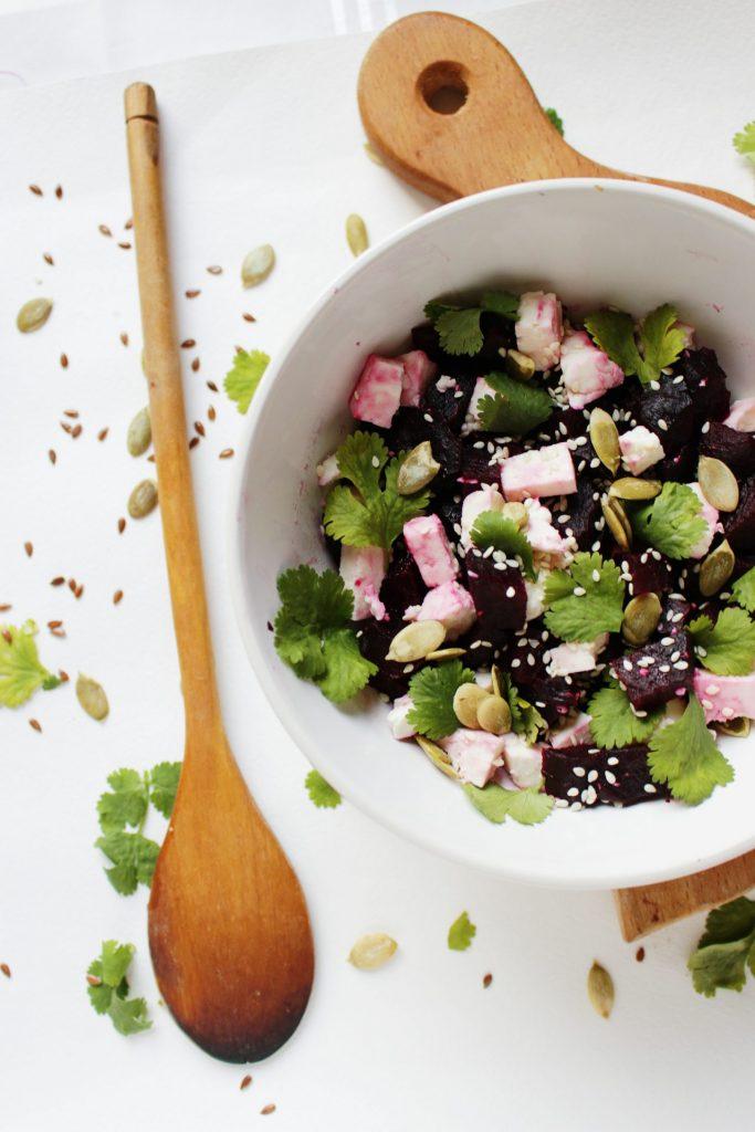 Kürbiskerne passen zu vielen Gerichten wie Salat oder Suppen. Bildquelle: © Yakynina Anastasia / Unsplash.com