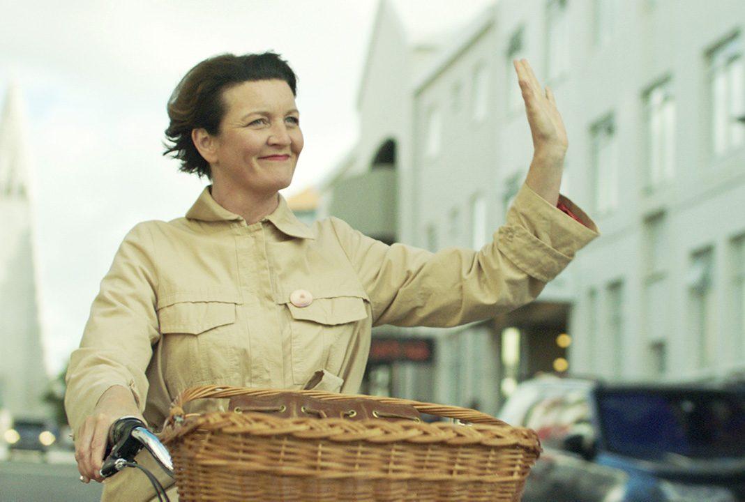 GEGEN DEN STROM - Hella die warmherzige Durchschnittsfrau. Quelle: Pandora Film Medien GmbH