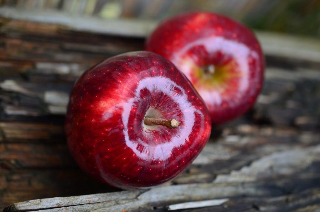 """""""An apple a day keeps the doctor away"""" - diesen Rat kennen wir wohl alle und können ihn auch ganz leicht berherzigen. Bildquelle: Pixabay.de"""