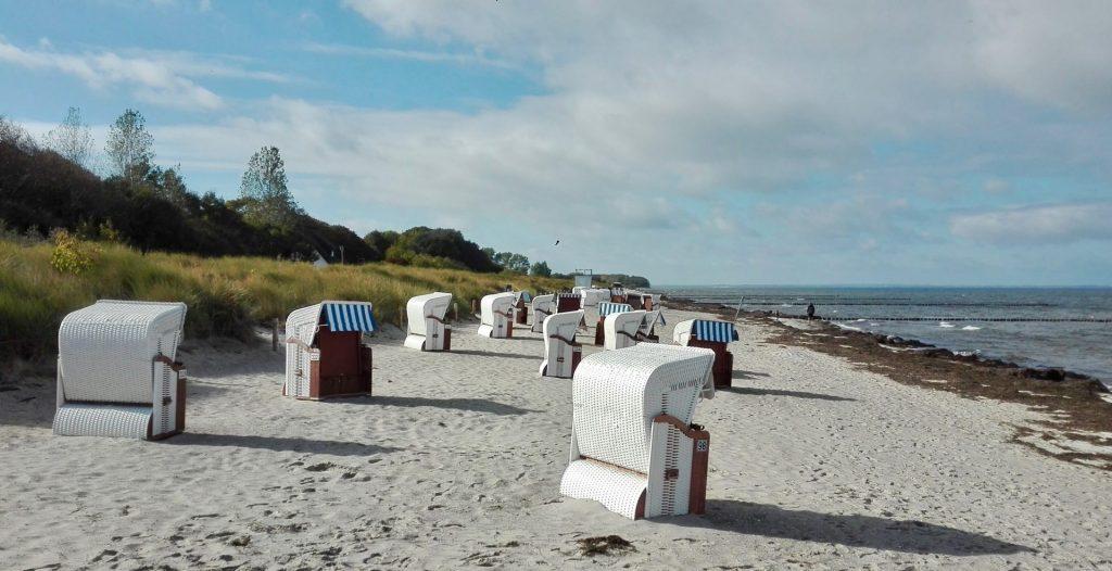 Natürlich werden die Räder auch mal geparkt und man genießt den herrlichen Ostseestrand. Bildquelle: Beate Ziehres