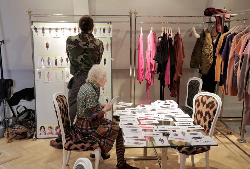 Vivienne Westwood ist nicht nur Namensgeberin, sondern führt ihr Modeimperium sowohl geschäftlich, als auch kreativ Quelle: ©DOGWOOF