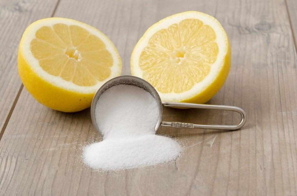 Zitronensäure bekämpft Kalk genauso gut wie Essig - bloß ohne dessen unerträglichen Geruch. Bildquelle: Fotolia.com @womue