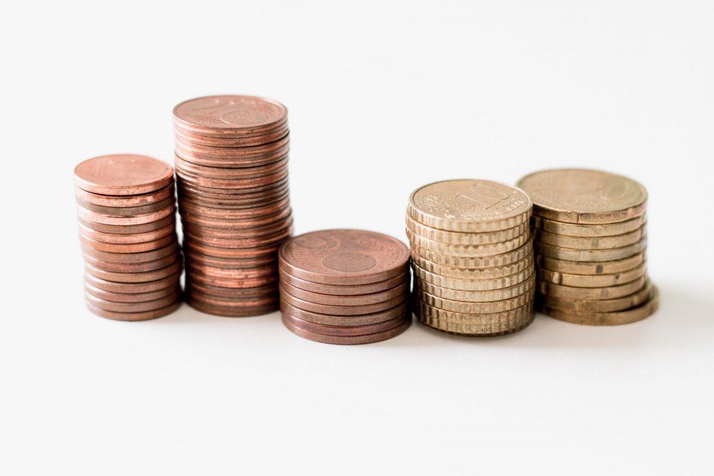 Die monatliche Rückzahlungsrate muss gut in den finanziellen Alltag passen. Bildquelle: © Ibrahim Rifath / Unsplash.com