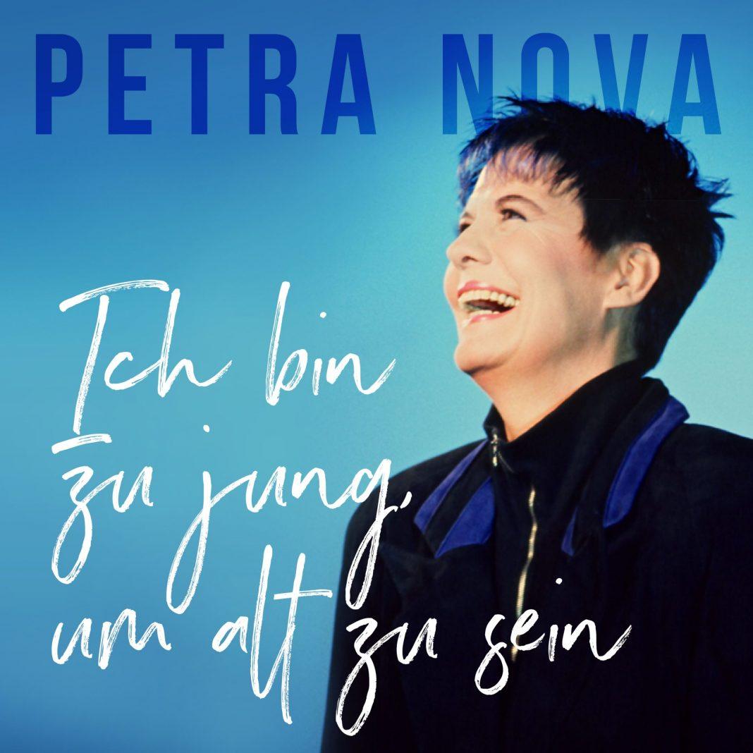 Petra Nova bezeichnet sich selbst als kreativen blauen Kopf. Bildquelle: © Petra Nova