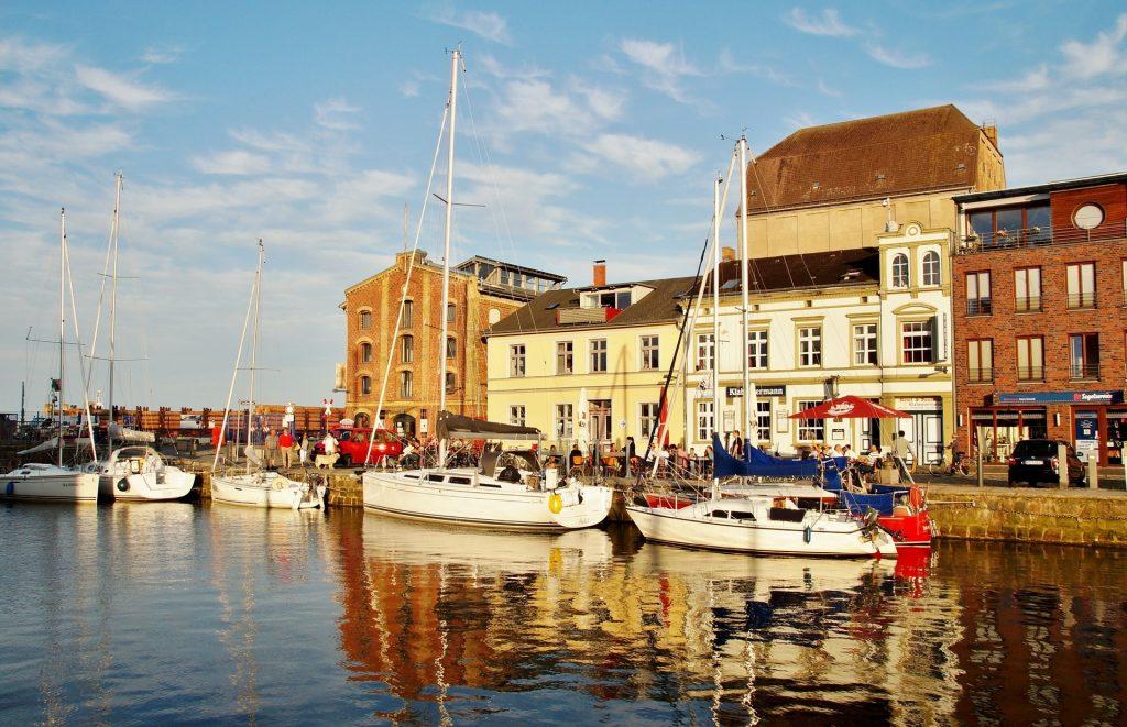 Stralsund strahlt als alte Hafenstadt ein gemütliches Flair aus. Bildquelle: Pixabay.de