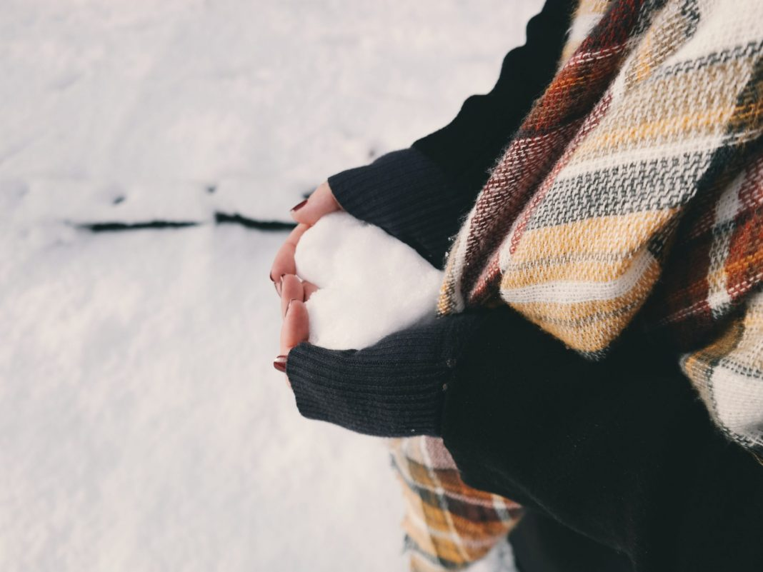 Auch unsere Jahreszeiten bergen oftmals ungenutzte Potentiale in sich, um einen an Demenz erkrankten Menschen ein Stück weit wieder ins Leben zu holen. Bildquelle: © Brigitte Tohm / Unsplash.com
