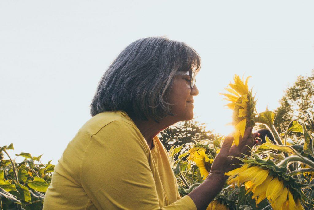 Menschen mit Demenz verlieren häufig jeden Bezug zu zeit und Raum. Bildquelle: © Mel Elias / Unsplash.com