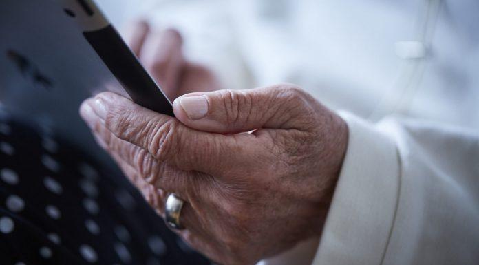 Die Generation 59plus entdeckt zunehmend mehr die Freiheiten und Möglichkeiten des Internets. Bildquelle: © Zoelita / 59plus GmbH