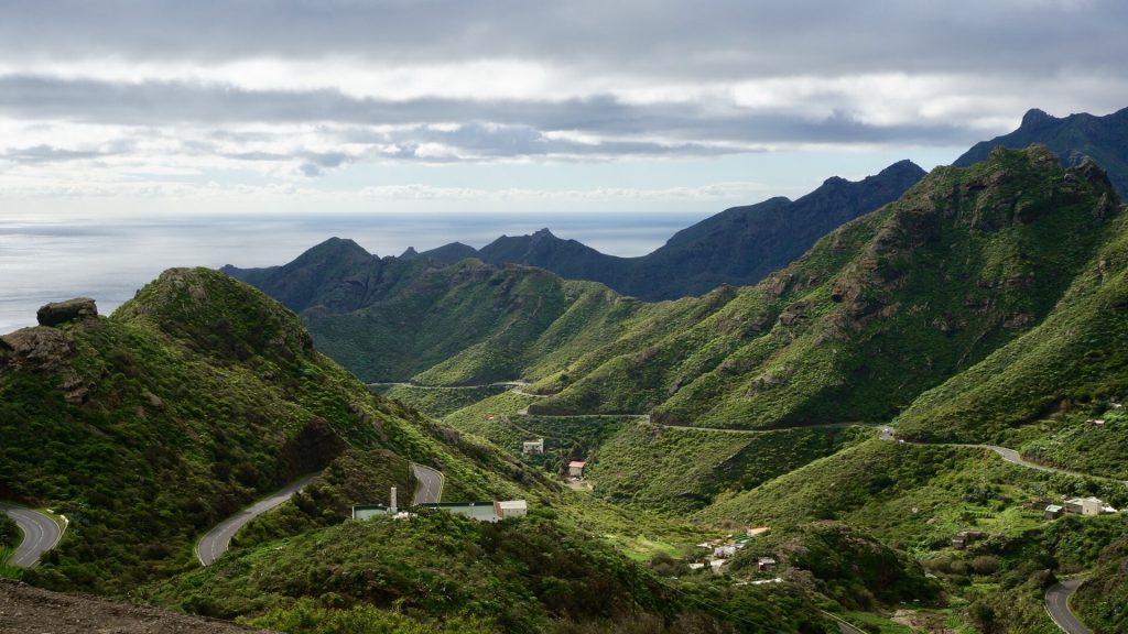 Teneriffa gilt mit als die grünste Insel der Kanarischen Inseln und lädt somit zu tollen Wanderungen in mildem Klima ein. Bildquelle: Pixabay.de