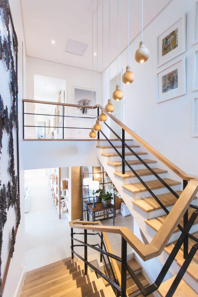 Mit einem Treppenlift bleibt man innerhalb der eigenen vier Wände wunderbar beweglich. Bildquelle: © Jason Briscoe / Unsplash.com