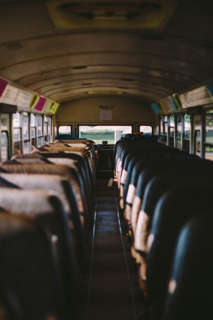 Die Zeiten in denen Busreisen keinen Komfort hatten, sind lange vorbei. Bildquelle: © Jed Villejo / Unsplash.com