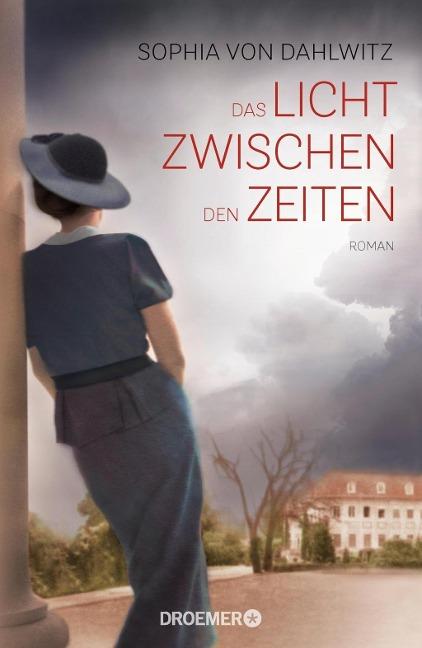 In Das Licht zwischen den Zeiten arbeitet Autorin Sophia von Dahlwitz unter einem Pseudonym ihre eigene Familiengeschichte auf. Bildquelle: Droemer und Knaur
