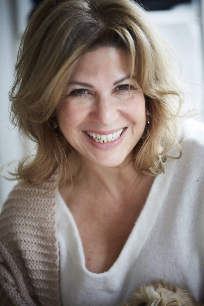Claudia Schiaretta strickt leidenschaftlich gern und liebt hochwertige Materialien. Bildquelle: © Filomontini