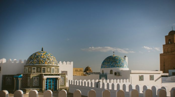 Wüstenlandschaft und Oasen bietet Ihnen der Süden Tunesiens. Bildquelle: © Srdjan Popovic / Unsplash.com