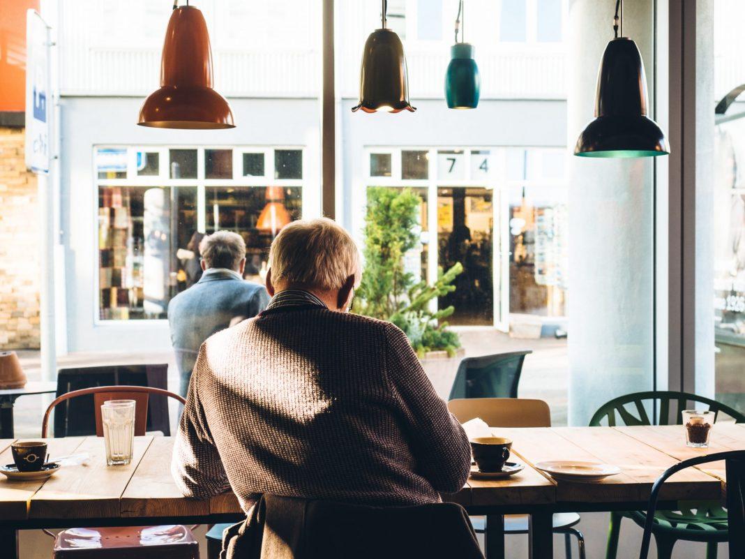 Wo und wie werde ich im Alter wohnen? Eine Frage die sich immer mehr Menschen der Generation 59plus stellt. Bildquelle: © Jeff Sheldon / Unsplash.com