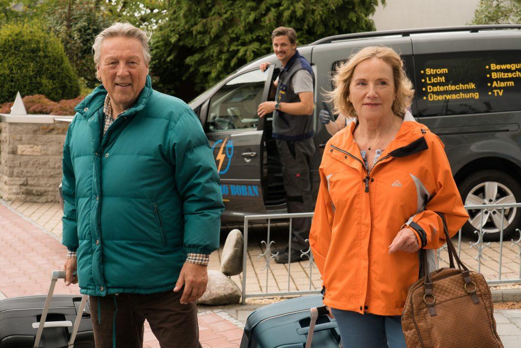 Humor gehört für Ruth Reinecke und Hansjürgen Hürrig zum leben wie die Luft zum atmen. Bildquelle: © ZDF / Christian Lüdecke