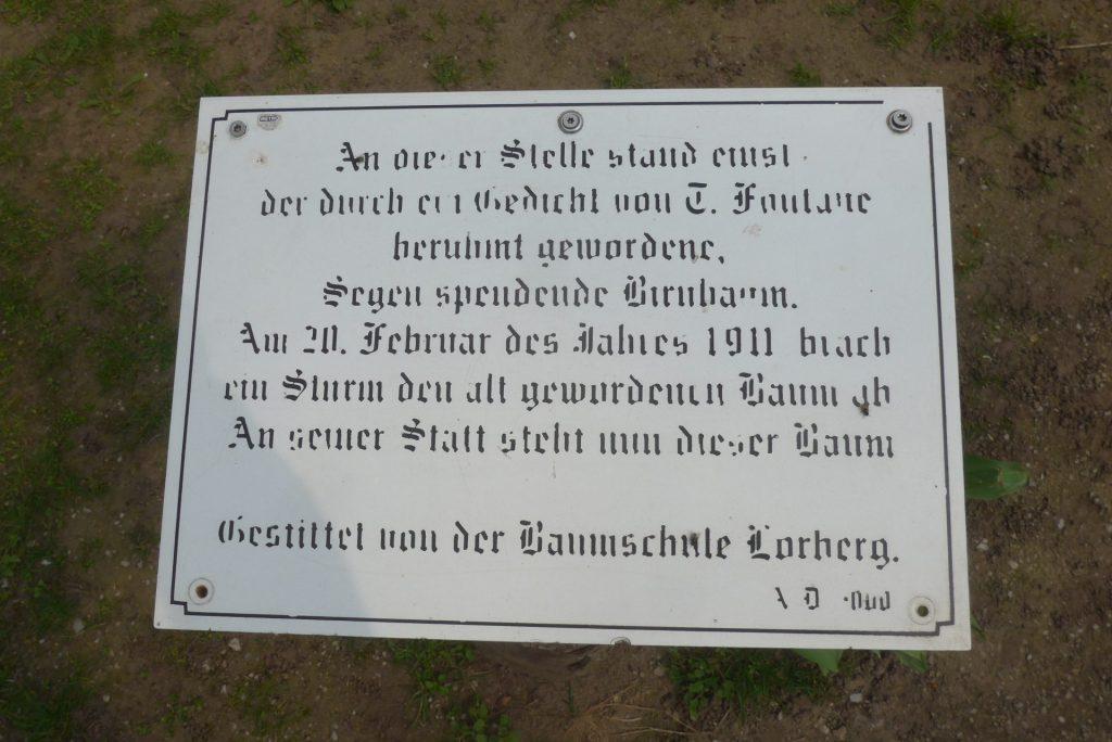 Eine Gedenktafel erinnert daran wo einst der berühmte Birnbaum stand. Bildquelle: © Martin Beier
