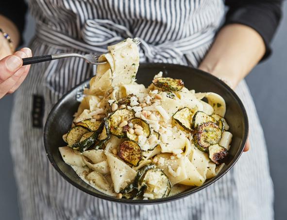 Schnelle Pasta: Zucchini-Zitronen-Pappardelle - 59plus