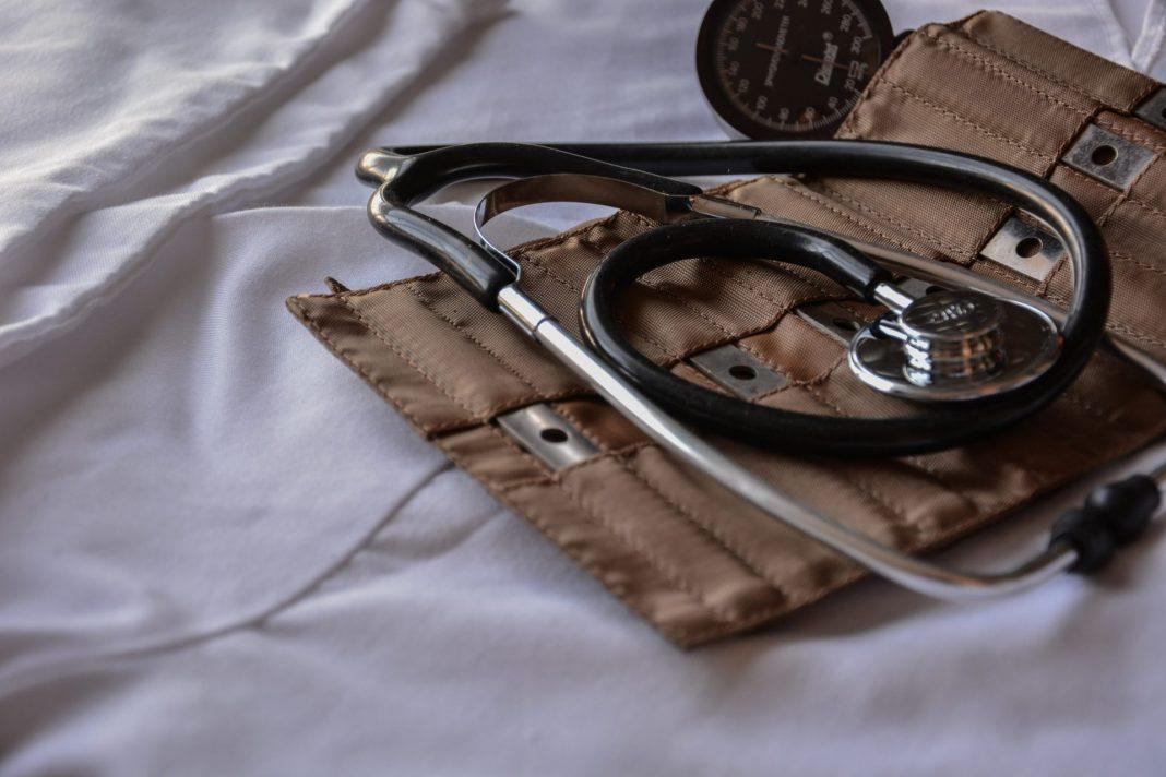 Mit dem Hausarztmodell versucht man Behandlungsabläufe zu strukturieren und kostenneutraler zu gestalten. Bildquelle: © Marcelo Leal / Unsplash.com