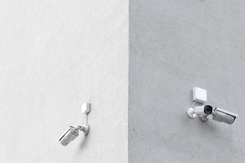 Kameras am eigenen haben darüber hinaus eine abschreckende Wirkung. Bildquelle: © Pawel Czerwinski / Unsplash.com