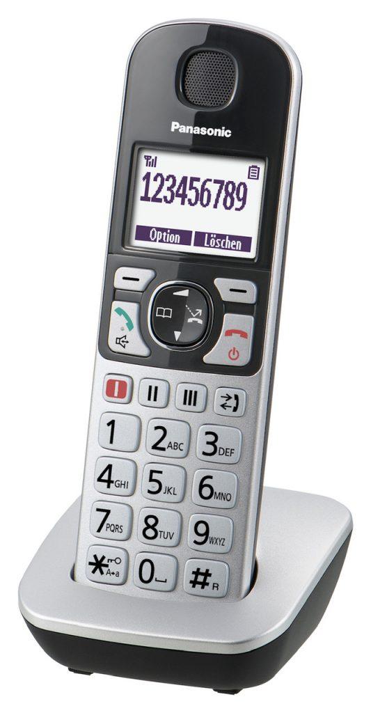 Ein leicht verständliches und damit gut bedienbares Telefon kann eine große Hilfe im Alltag sein. Bildquelle: © Panasonic Seniorentelefon KX TGQ500