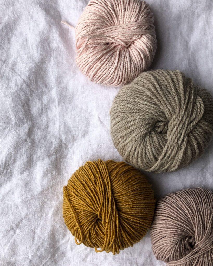 Wolle und Kaschmir sind Materialien die in diesem Herbst sehr hoch im Kurs stehen. Bildquelle: © Jean Marc Vieregge / Unsplash.com