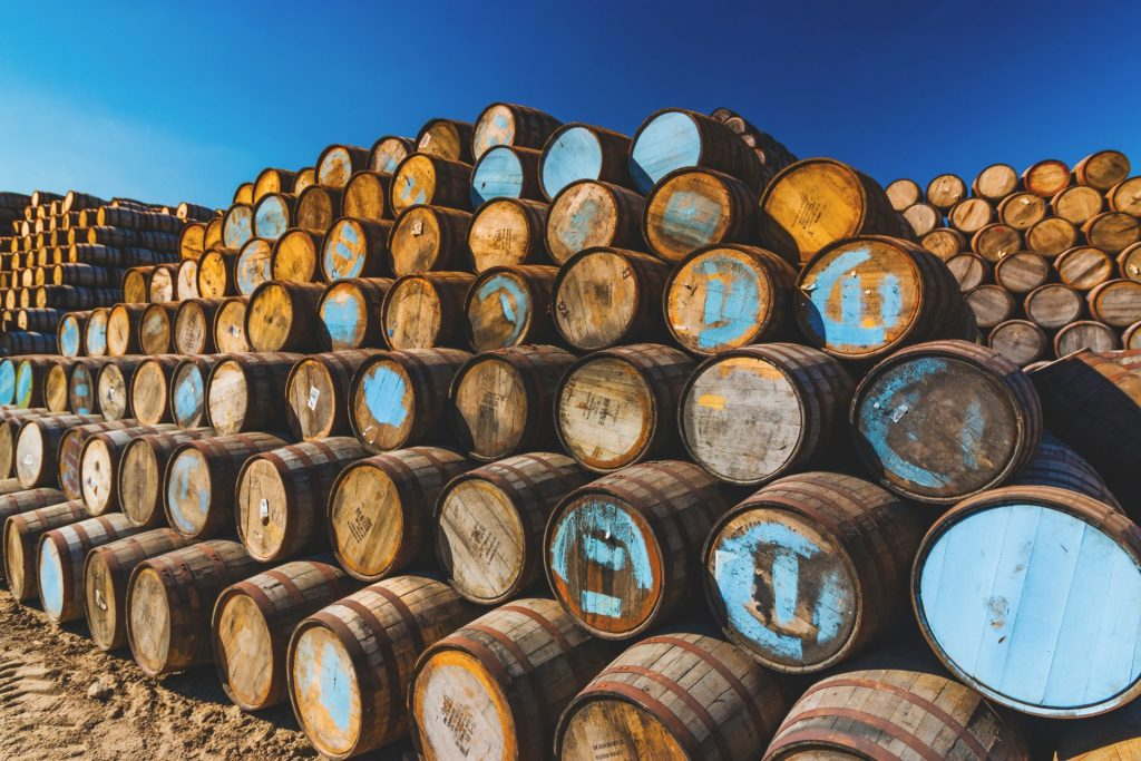 Der Reifunsgprozess spielt beim Whisky ein ganz entscheidende Rolle. Bildquelle: © Brian Taylor / Unsplash.com