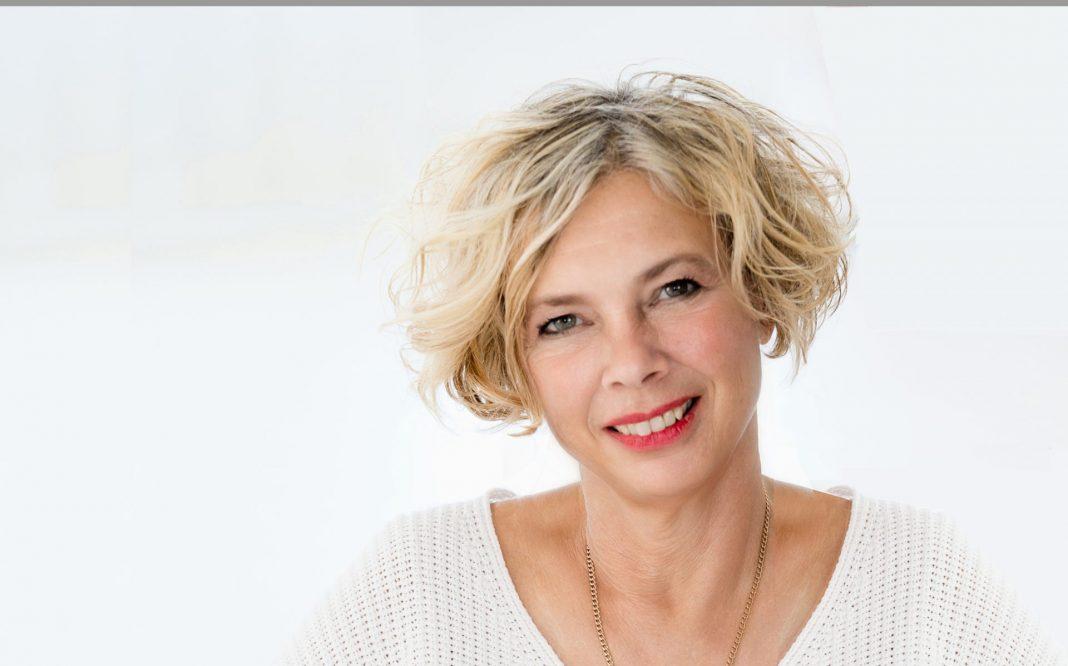 Gefühlvoll und ehrlich beschreibt Susanne Reinker ihre ganz persönlichen Erfahrungen im Umgang mit dem Krebs nach der Therapie. Bildquelle: © A&N