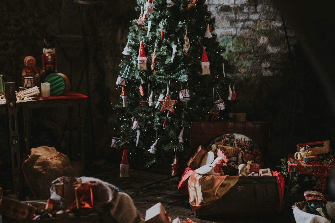 Warum das Weihnachtsessen nicht einmal ganz anders gestalten? Wir haben eine tolle Idee für Sie. Bildquelle: © Annie Spratt / Unsplash.com
