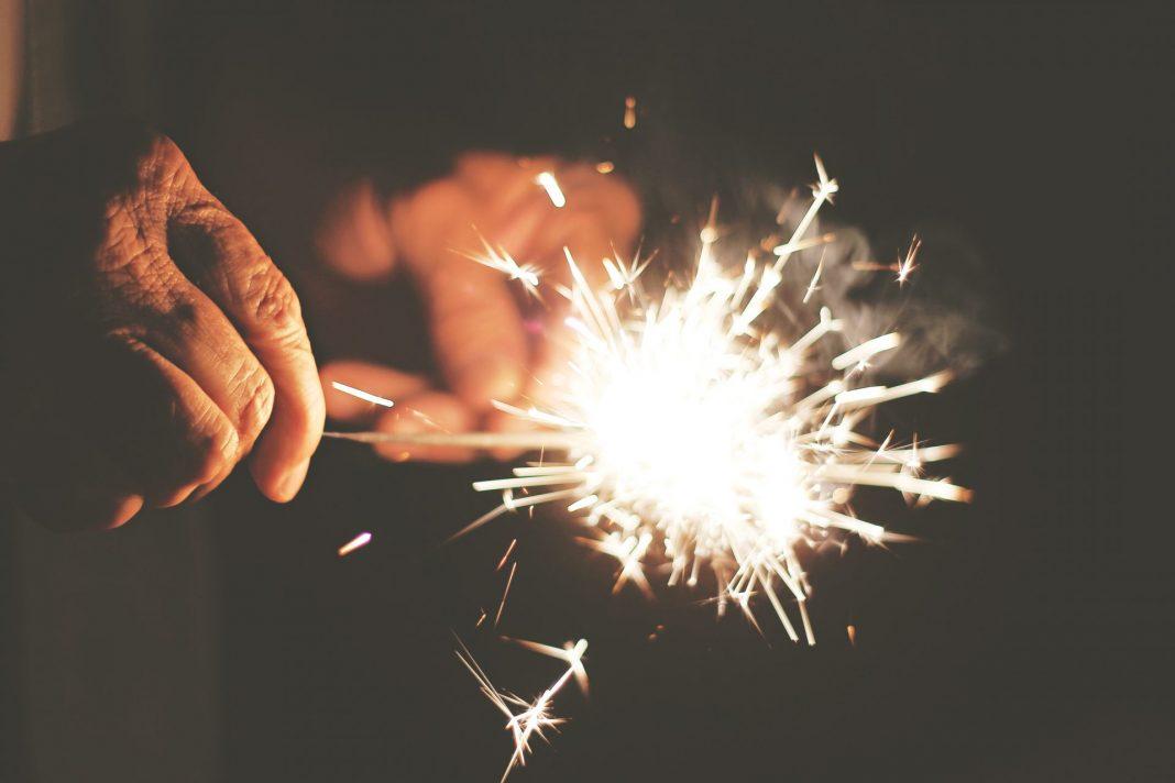 Wir wünschen Ihnen ein fröhliches und gesundes neuen Jahr! Bildquelle: © Kelley Bozarth / Unsplash.com