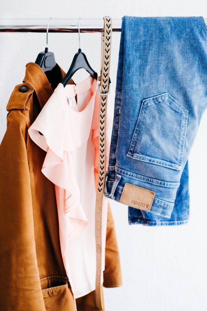 Nicht selten ist der Frust groß, wenn wir mal wieder feststellen das es die Kleidungsstücke nicht in unserer Größe gibt. Bildquelle: © Alexandra Gorn / Unsplash.com