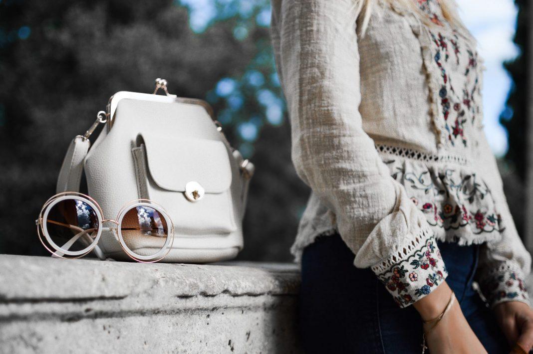 Beim Shoppen zeigt sich wirklich wahre Freundschaft. Bildquelle: © Tamara Bellis / Unsplash.com