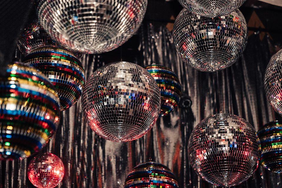 Feiern Sie mit uns die 59plus-Disco 2020. Quelle: Unsplash