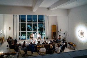 Eine Veranstaltung der etwas anderen Art - Lesen im Loft in Düsseldorf. Bildquelle: © Lesen im Loft